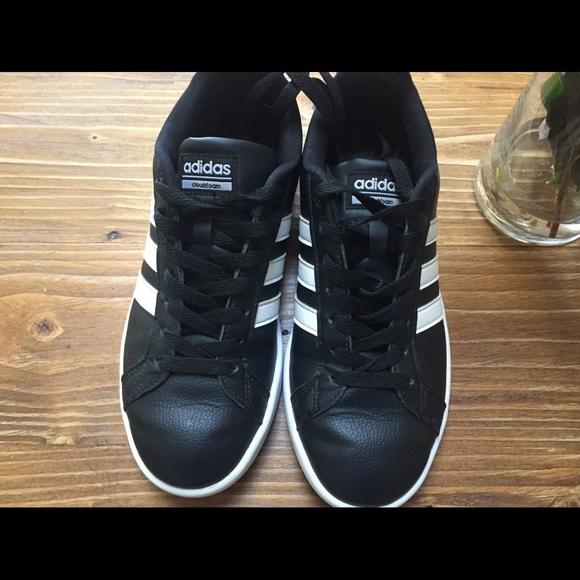 Adidas zapatos negro y franja blanca zapatillas tamaño 65 poshmark